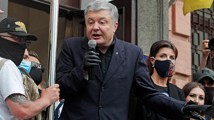 Новый поворот на Украине: Михеев уверен, что Зеленский помогает Порошенко