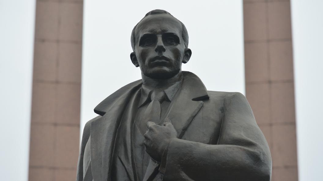 Украинский режиссер обещает сделать Бандеру человеком