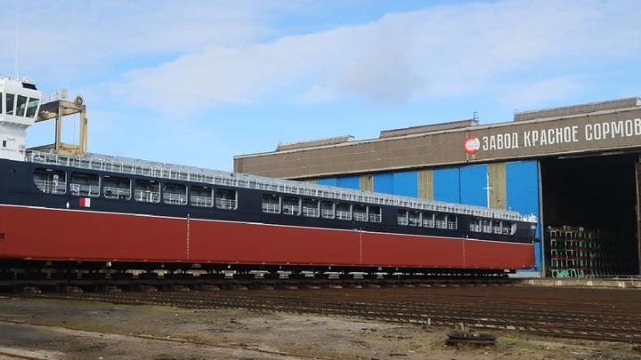 Завод Красное Сормово получил заказ на строительство 11 сухогрузов до конца 2022 года