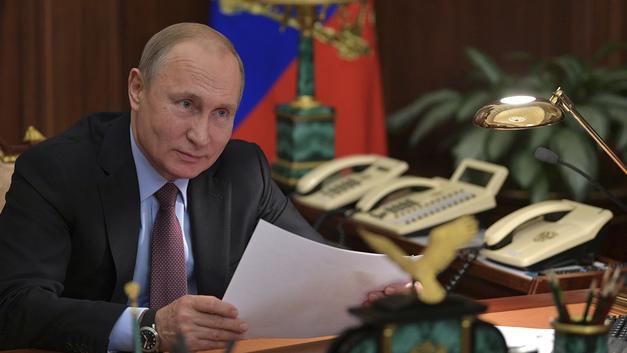 Скверна недели: В США засылают агентов искать деньги и тайные сети Путина, а на Украине отчаянно сигнализируют Кремлю