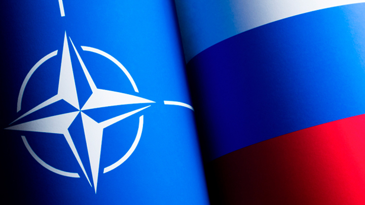 НАТО зовёт к миру с Россией. Верить?