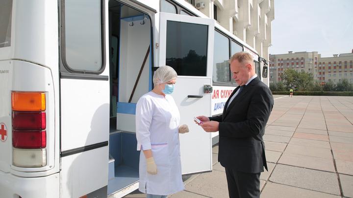 Владимирский вице-губернатор Шевченко получил вакцину от гриппа одним из первых