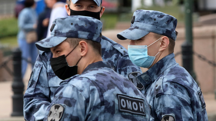 800 протоколов, 12 тысяч нарушений: почему коронавирусные ограничения не работают в Санкт-Петербурге