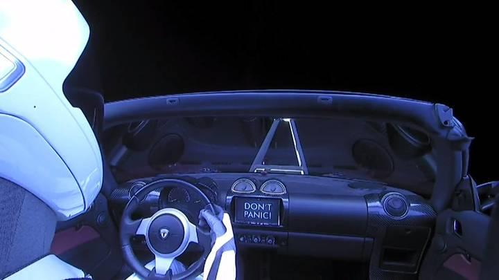 После запуска в космос автомобиля Tesla отчиталась об убытках в размере 675 млн долларов