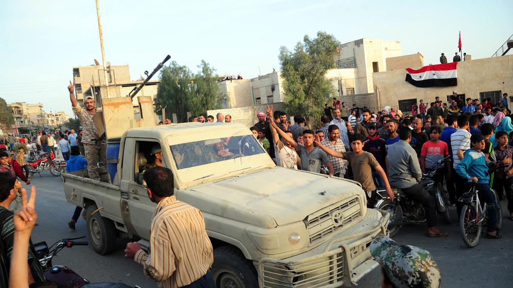Изъятое оружие боевиков показали всирийском Думейре