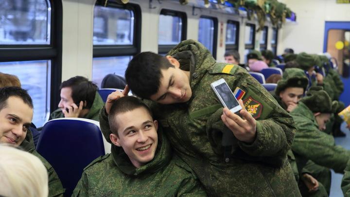 Узнать о войсках по телефону: Запрет военным публиковать свои данные назвали спасением от иностранных разведок