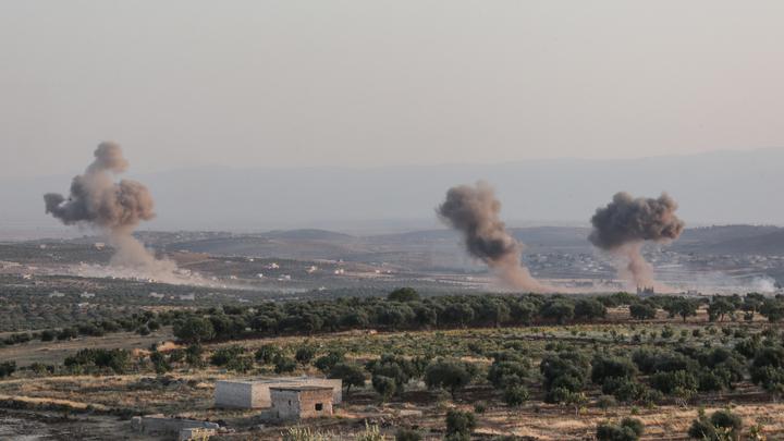 Это были предупредительные удары: Эксперт об обстреле турецкого конвоя авиацией Сирии