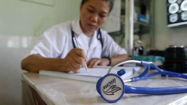 Нам нужны не мигранты, а свои врачи:  Эксперты - о главной проблеме российского здравоохранения