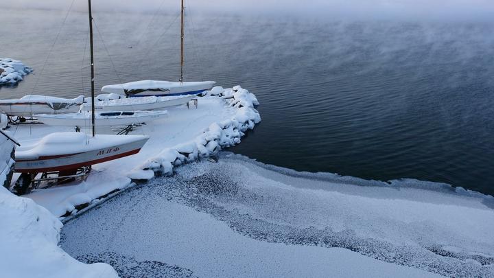Пример абсолютной дурости: на Тургояке под лед провалился автомобиль с рыбаками