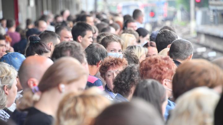 COVID подпитывают часы пик в транспорте: Главам регионов подсказали способ борьбы с угрозой