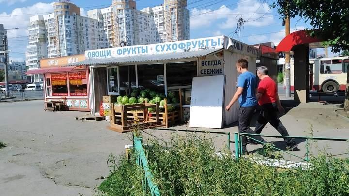 Челябинский урбанист: напротив районной администрации ларьки стоят в три ряда