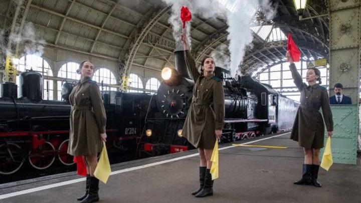В Петербурге на Витебском вокзале воссоздали встречу фронтовиков