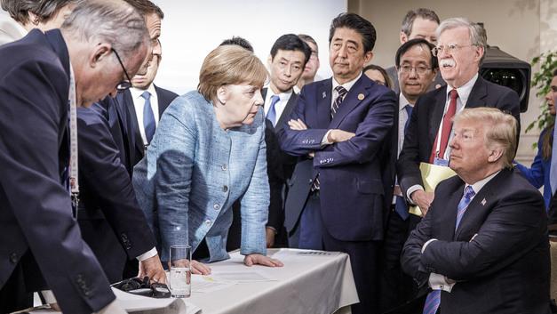 Меркель еще пожалеет: Трамп пообещал сделать все европейские автомобили золотыми