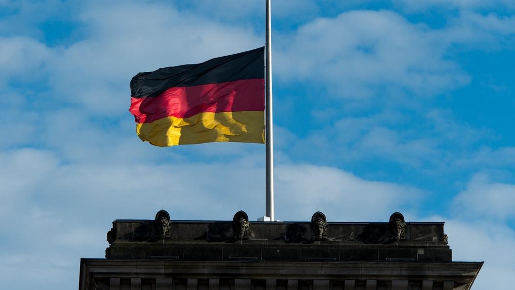 В Германии у вокзала на женщину напал мужчина с кухонным ножом