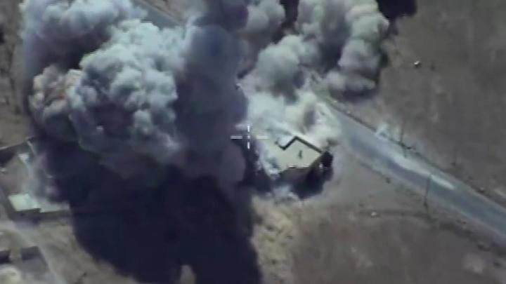 Коалиция во главе с США разбомбила окрестностиДейр-эз-Зора, есть жертвы