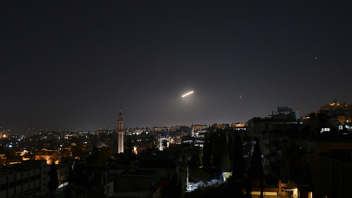 Прикрываются гражданскими самолётами? В Сирии чуть не попал под обстрел Израиля лайнер со 172 пассажирами