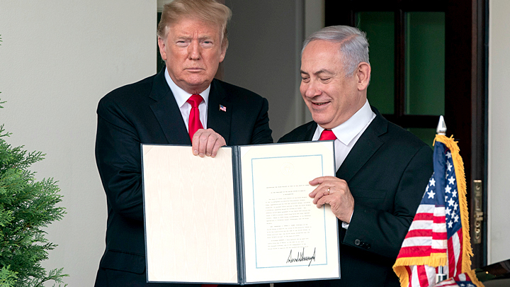 Нефть, зять и доклад Мюллера: Почему Трамп подарил Голанские высоты Израилю?