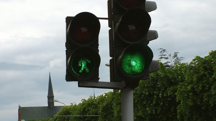 В Екатеринбурге из-за одного светофора образовалась огромная пробка