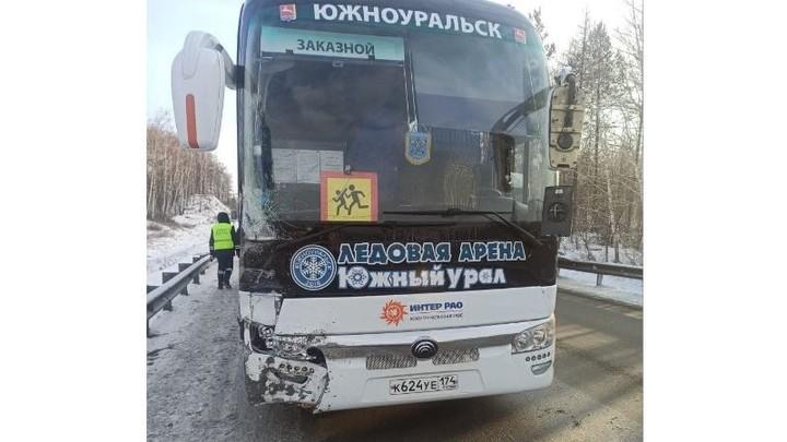 ДТП под Миассом с автобусом детской хоккейной команды спровоцировал курсант