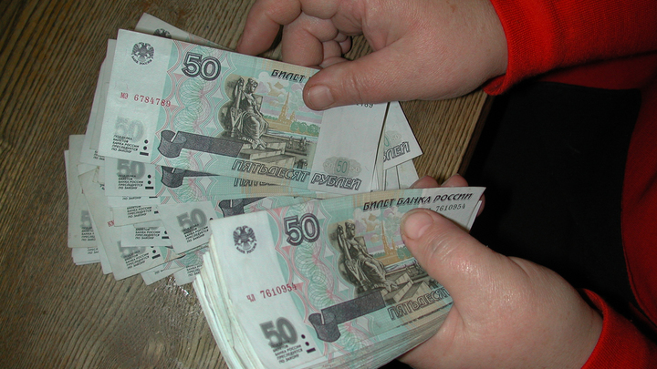 Остаться при деньгах даже в кризис: Экономист дал важные советы