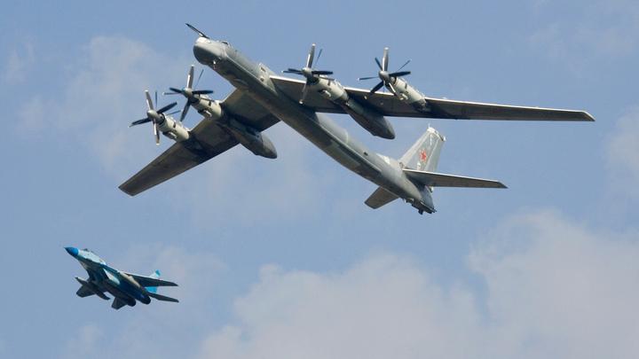Арктика под защитой: Минобороны РФ рассказало о плановых полетах стратегических бомбардировщиков