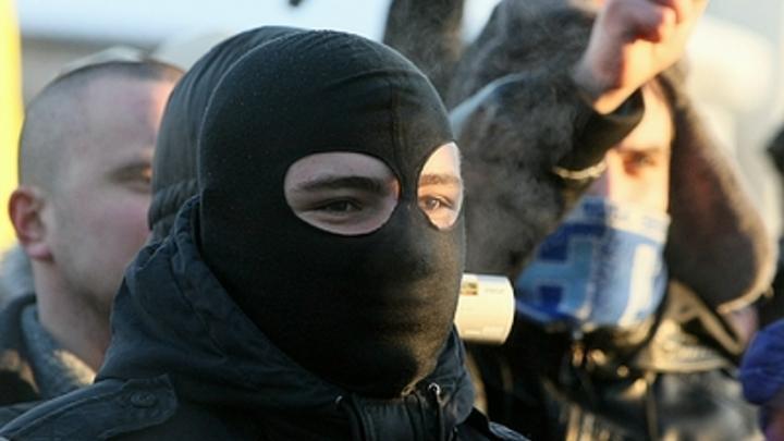 Напали у могилы с ножами и дубинами: Толпа украинцев под присмотром полиции зверски избила евреев - YWN