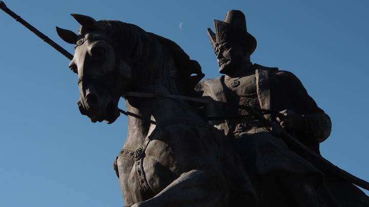 Русский язык изгнали из Казахстана? Националисты празднуют победу