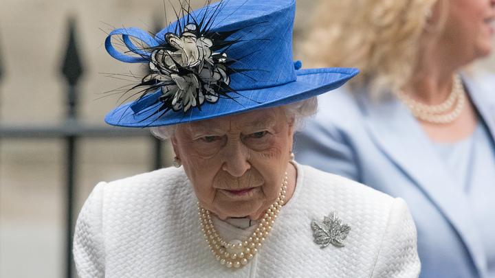 Королева Великобритании уйдет с поста в 95 лет