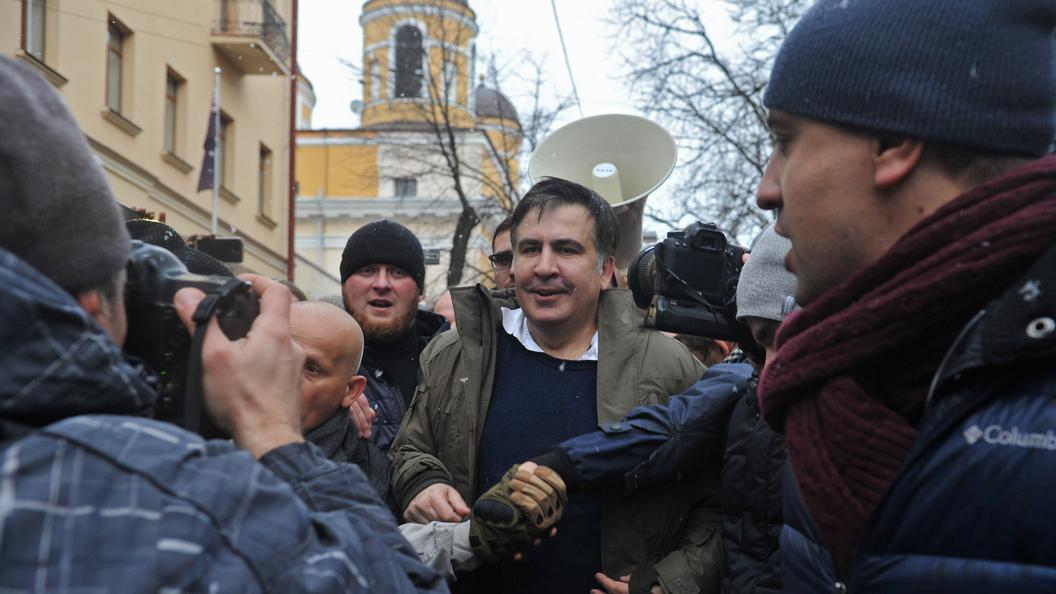 Саакашвили, который живет на крыше: Пугливый политик превратился в интернет-мем