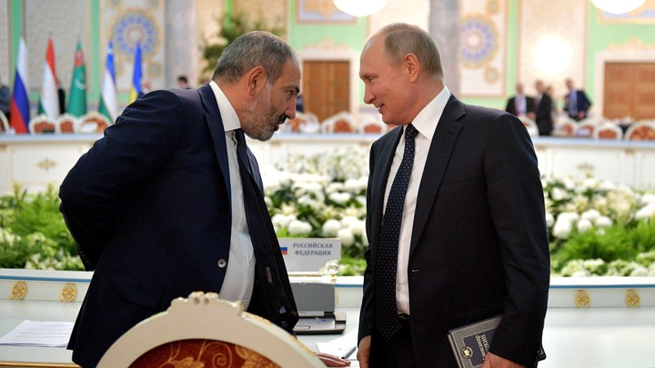 Это армянское слово: Пашинян на встрече с Мишустиным присвоил себе селфи