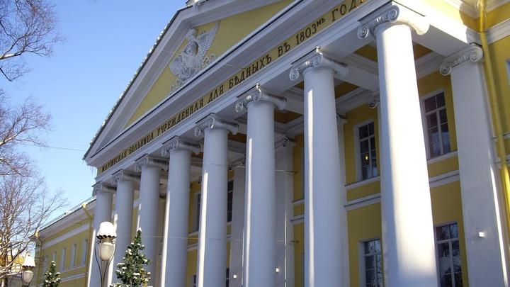 Мариинская больница в Петербурге примет коронавирусных пациентов 17 июня