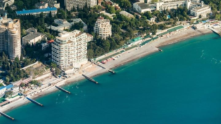 Туристов в Крыму будут пускать на пляжи без масок - сенатор