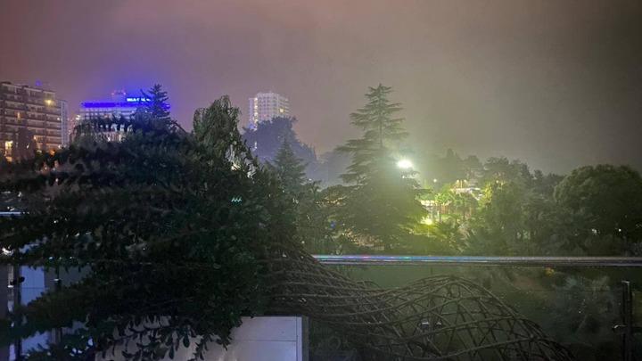 Наводнение в Сочи 23 июля 2021: курорт за час ушел под воду