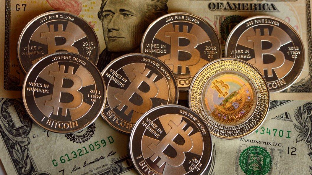 Курс биткоина впервый раз замесяц упал ниже $8 тыс.