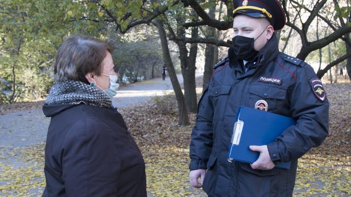 В Ростове полицейский спас пенсионерку, несколько суток пролежавшую дома после инсульта