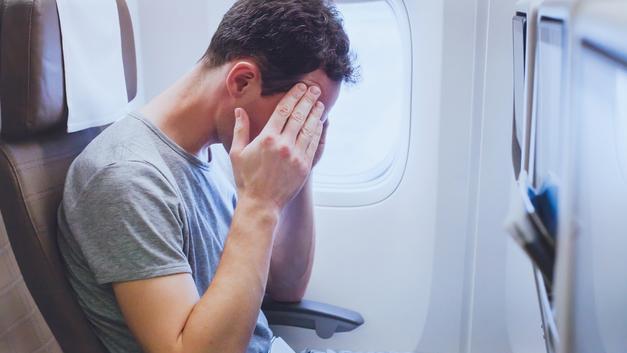 «Как же страшно теперь летать»: Как справиться с аэрофобией