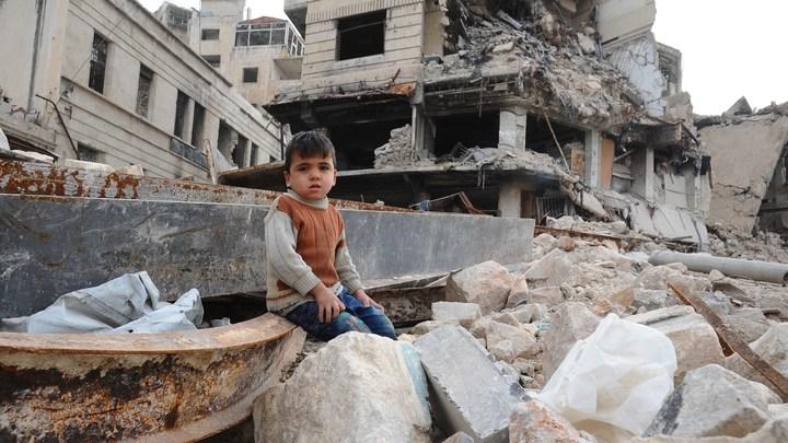 Террористы ударили из ракетных установок по пригороду Алеппо - видео