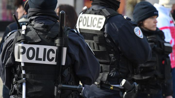 Франция на лезвии ножа: Совершено новое нападение на людей в Париже