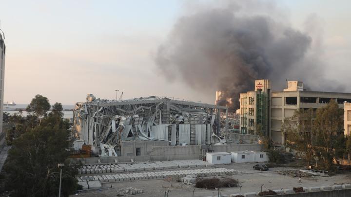 Бомба хранилась в центре Бейрута несколько лет - и рванула. Кто это допустил?