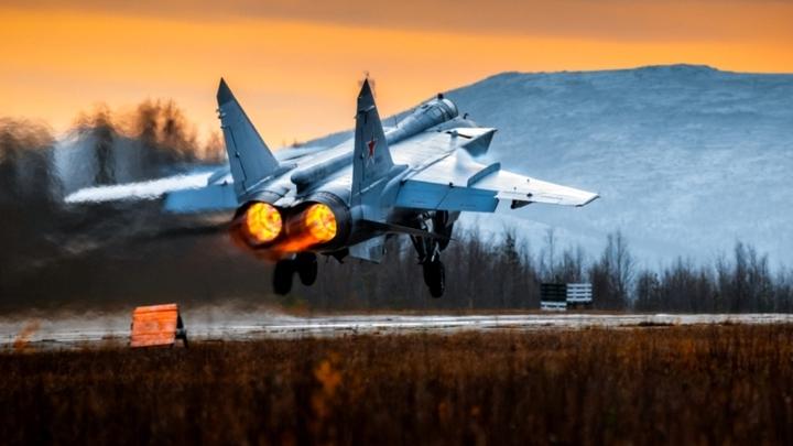 Пилоты НАТО протестировали русские истребители: Мускулистая машина