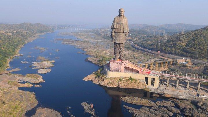 Статуя индийского национального героя в два раза «переплюнула» Статую Свободы