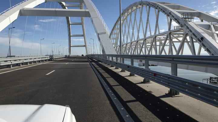 Авиация США выгнала людей с Крымского моста: Украинцам не дает покоя пустая переправа через Керченский пролив