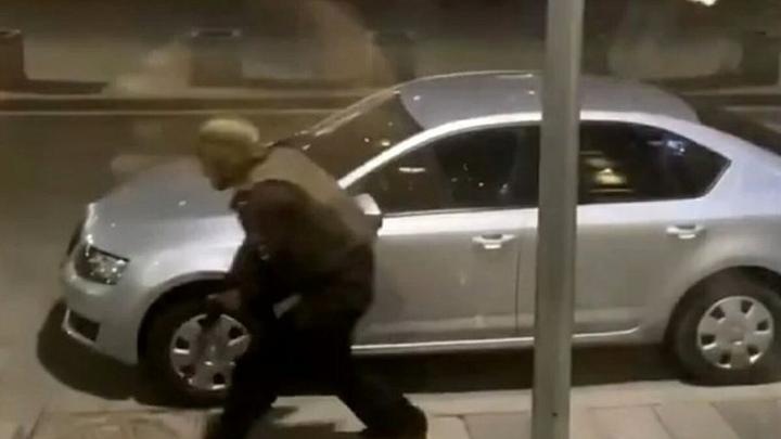 Шальная пуля может попасть в любого из нас: Военкор Коц пристыдил глумящихся над стрельбой на Лубянке