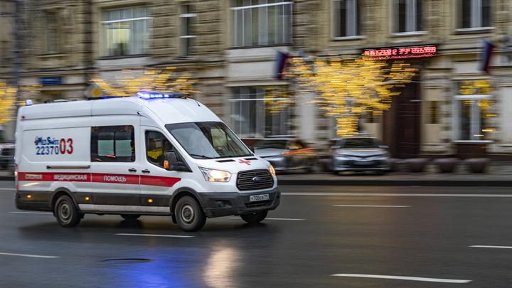 В тяжёлом состоянии: Хулиган искусал сам себя в отделе полиции и попал в больницу