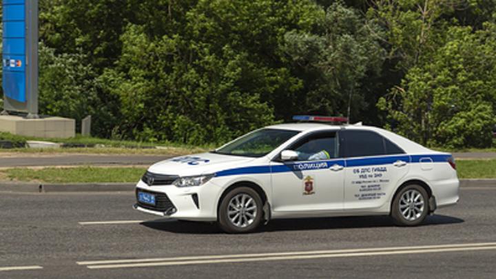 На Гусинобродском шоссе в Новосибирске Subaru Impreza врезалась в фуру