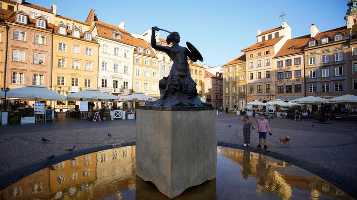 Польша поддакнула США: Варшава высылает трёх дипломатов России
