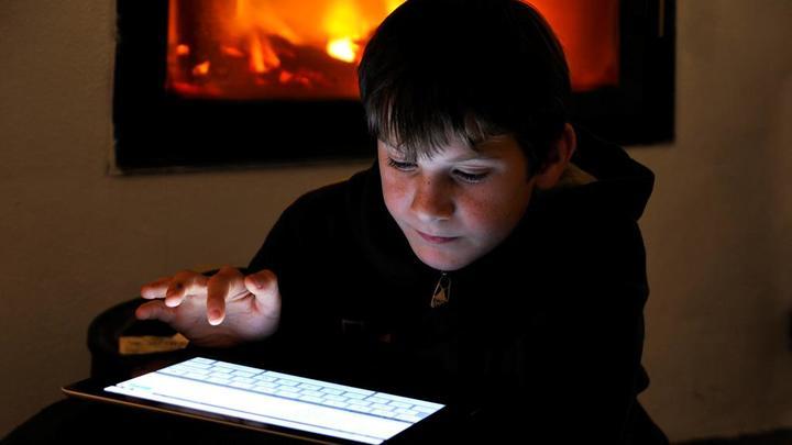 Не пытайтесь это повторить: Как ролики в сети ломают детские жизни
