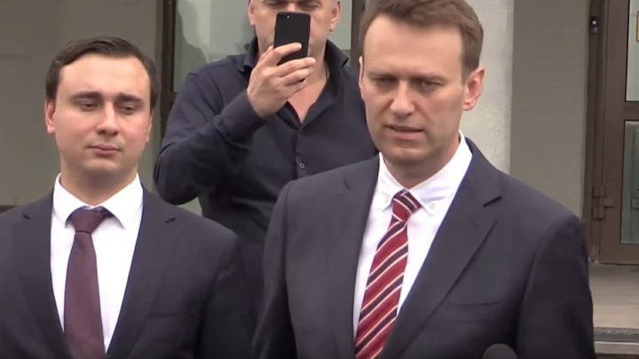 Яд в теле Навального: Нужны ли защитные костюмы? Главврач выступил с разоблачением