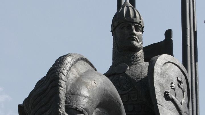 России пора сделать выбор: Нельзя отдавать всё на откуп чужим дядям