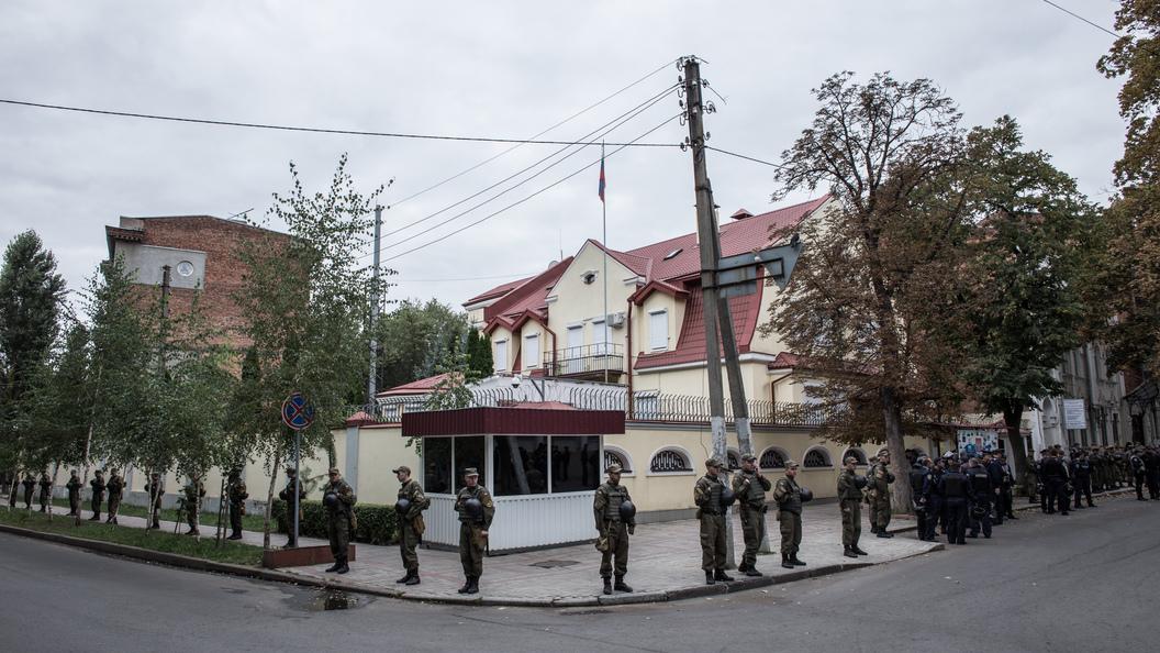 Строптивая кассир запугала военного ВСУ фразой о приближении российских танков